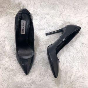 NWOT Steve Madden Black Pointed Heels sz 8